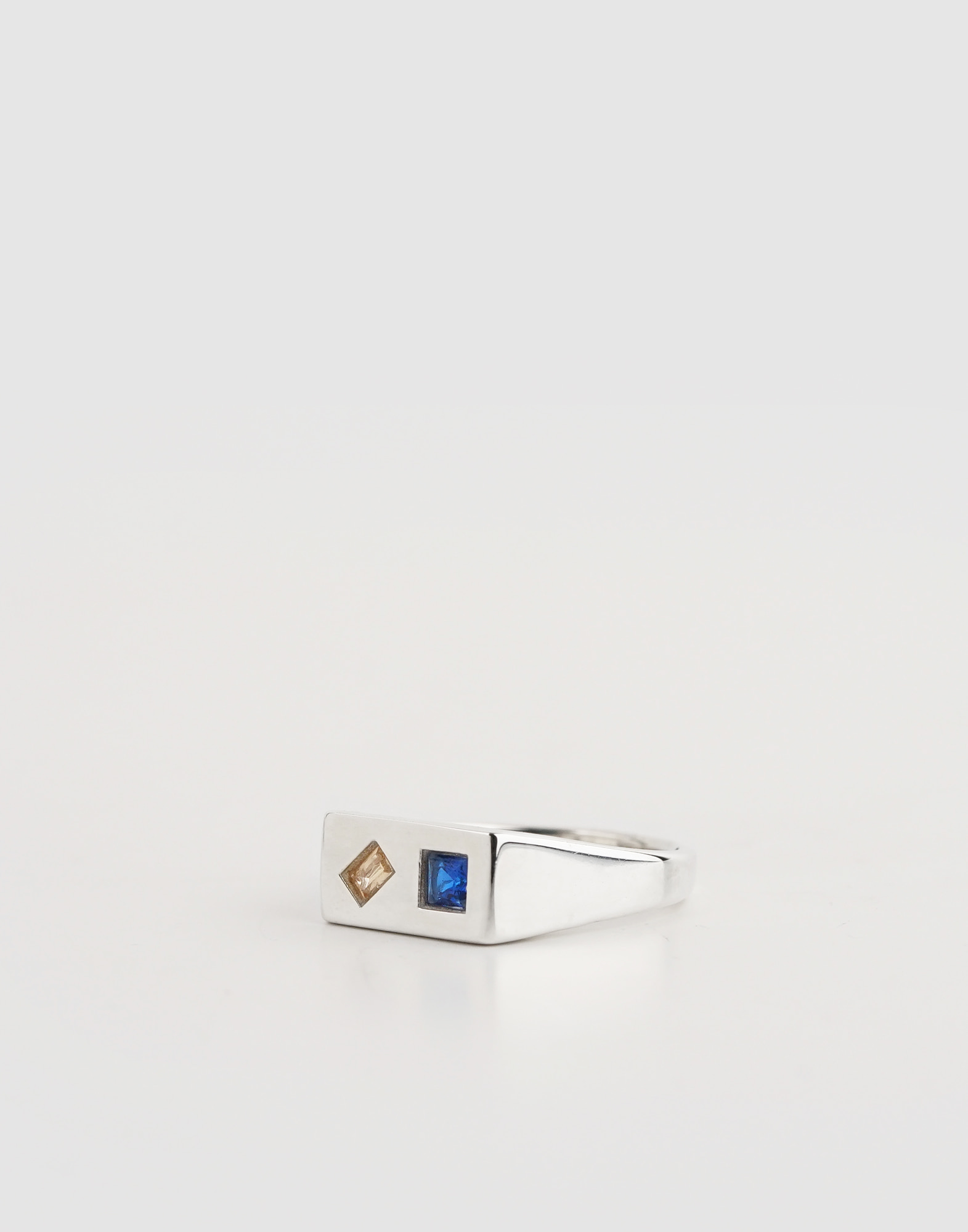 Signet ring(Blue Smokey Crystal)