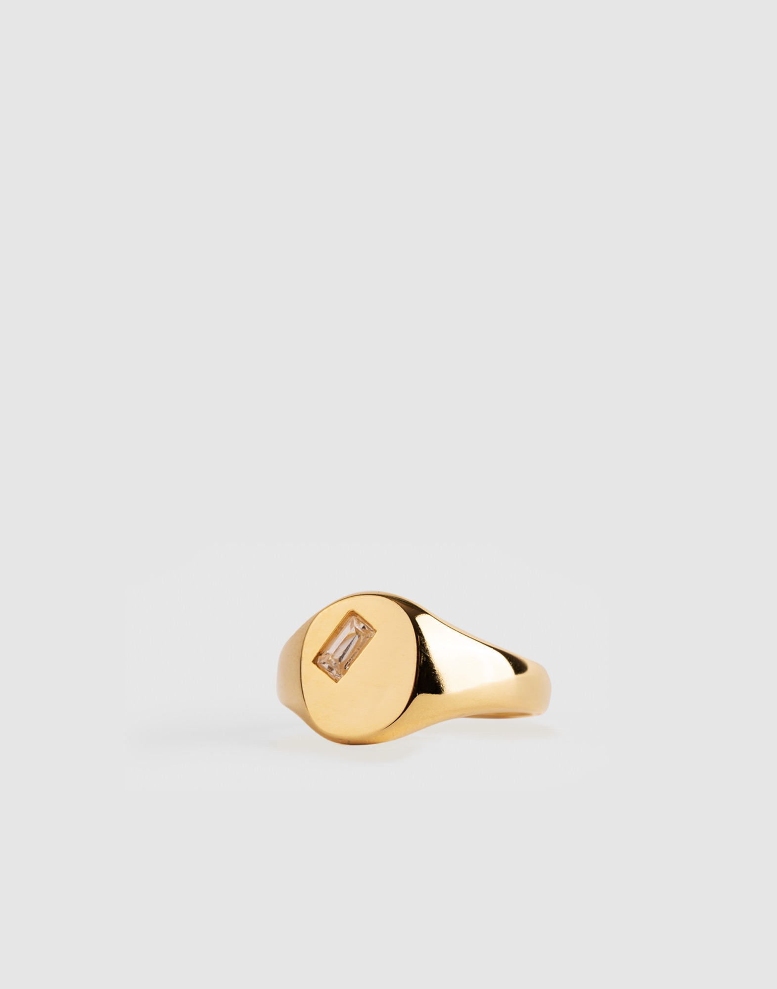 white crystal signet ring (18k gold plated)
